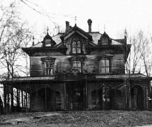 تفسير البيت القديم في الحلم رؤية المنزل السابق في المنام