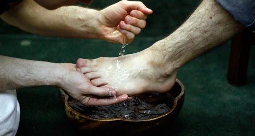 تفسير حلم غسل الرجل في المنام لابن سيرين
