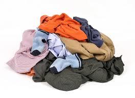 تفسير الملابس القديمه في الحلم   رؤيا لبس الملابس القديمه في المنام