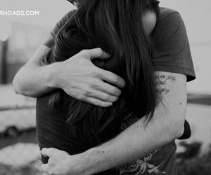 تفسير عناق الميت في الحلم رؤية تقبيل شخص ميت في المنام