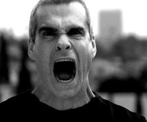 تفسير الغضب في الحلم معنى شخص غاضب في المنام