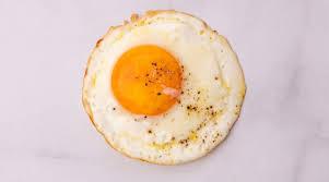 تفسير البيض المقلي في المنام بيض المقلي و المسلوق في الحلم