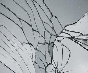 تفسير الزجاج في الحلم و رؤية الزجاج المتكسر في المنام