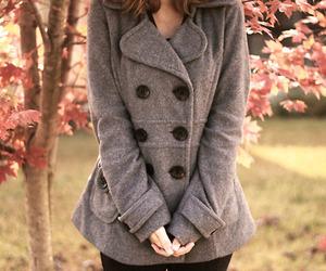 تفسير الجاكيت في الحلم رؤية الجاكيت او المعطف في المنام