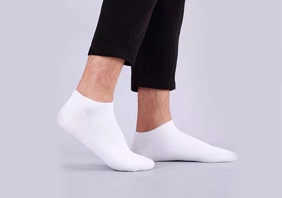 تفسير حلم الجوارب البيضاء في المنام لابن سيرين