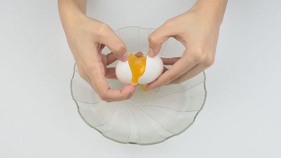 تفسير حلم كسر البيض في المنام لابن سيرين